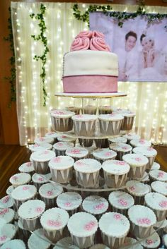 wedding cake - yuuumy :)