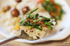 4월의라라_부추무침과 퀴노아영양밥