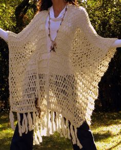 Back Open - Post - Marecipe Knitted Poncho, Crochet Cardigan, Crochet Shawl, Crochet Lace, Crochet Capas, Knitting Patterns, Crochet Patterns, Embroidery On Clothes, Yarn Bombing