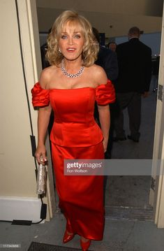 Barbara Mandrell during Academy of Country Music's Anniversary Celebration - Backstage and Audience at Mandalay Bay Resort & Casino in Las Vegas, Nevada, United States. Get premium, high resolution news photos at Getty Images Best Country Music, Academy Of Country Music, Country Music Stars, Country Music Singers, Mandalay Bay Resort, Old Tv Shows, Music People, Sexy Older Women, 40th Anniversary