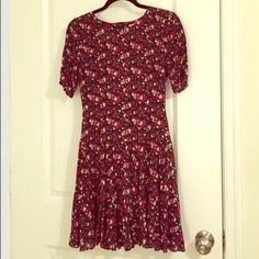 H&M floral dress H&M floral dress. In excellent condition worn once.  Size 4   zipper in back make an offer H&M Dresses