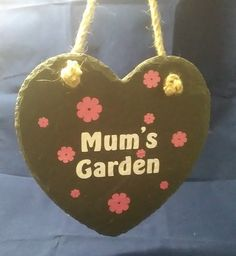 Mum's Garden slate heart Slate, Christmas Ornaments, Holiday Decor, Handmade Gifts, Heart, Garden, Home Decor, Kid Craft Gifts, Chalkboard