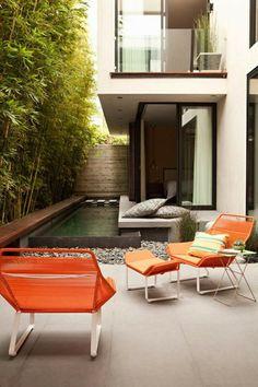 petite piscine hors sol, extérieur de maison moderne