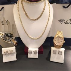 Find the perfect #GiftIdea and get a head start on your holiday shopping by coming in our store – from diamond earrings to chains in all styles, we'll find what you need!