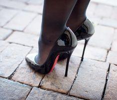 EngineeringInHeels's Christian Louboutin Merci Allen 130 mm heels are here! She recently bought these seductive high heels from the Christian Louboutin line to extend her. High Heel Boots, High Heel Pumps, Pumps Heels, Stiletto Heels, Platform Pumps, Walking In High Heels, Black High Heels, Talons Sexy, Beautiful High Heels