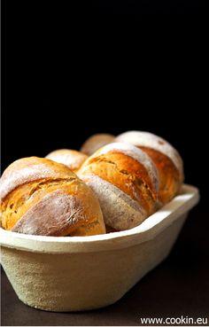 Kartoffelbrötchen - Dank einem Schuss Roggenmehl und langer, kalter Führung werden diese Kartoffelbrötchen besonders lecker und halten lange frisch