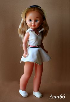 nancy de famosa tenis - Buscar con Google Nancy Doll, Spanish Girls, Old Toys, Fashion Dolls, American Girl, Doll Clothes, To My Daughter, Barbie, Flower Girl Dresses