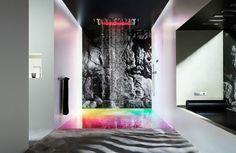 Se laver dans un  arc en ciel. This Shower System Lets You Take A Warm, Scented Bath In A Rainbow
