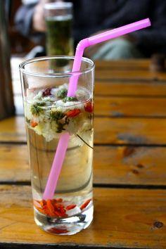 Chrysanthemum tea.   菊花茶.