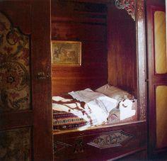 norwegian victorian bedroom at DuckDuckGo Alcove Bed, Bed Nook, Cozy Nook, Scandinavian Cabin, Scandinavian Design, Danish Bedroom, Sleeping Nook, Bunk Beds Built In, Bunk Rooms