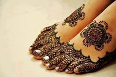 In this post you would find different foot mehndi designs for the girls. Girls specially like these designs and really they look marvelous.