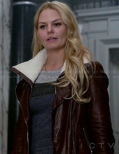Emma's grey and blue colorblock top and burgundy leather jacket with white fleece on Once Upon a Time.  Outfit Details: http://wornontv.net/46287/ #OUAT