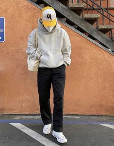 Stylish Mens Outfits, Cool Outfits, Casual Outfits, Rapper Outfits, Black Men Street Fashion, Mens Clothing Styles, Vintage Outfits, Street Wear, Mens Streetwear Fashion