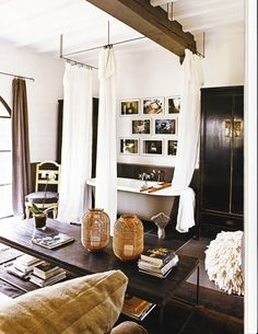 ♦ living room bath tub