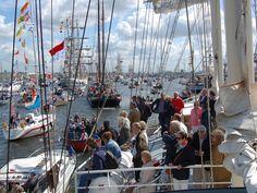 Afbeelding van http://nl.vscharters.com/wp-content/uploads/2014/06/Sail-Amsterdam2015.jpg.