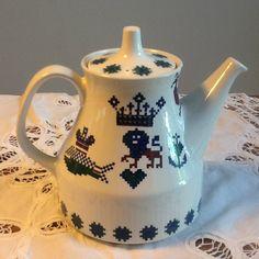 Figgjo Flint Menu Vintage Coffeepot Tea Pots, Menu, Vintage, Tableware, Menu Board Design, Dinnerware, Tablewares, Tea Pot, Vintage Comics