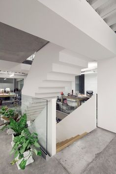 Staircase With Upside-down Sections At An Workplace In Mexico - http://www.architectlover.com/amazing-ideas/staircase-with-upside-down-sections-at-an-workplace-in-mexico/