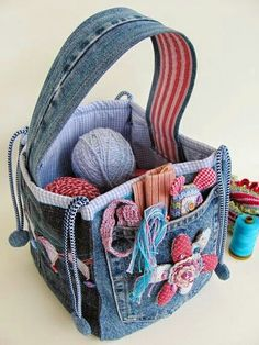 DIY Idea; Recycle Old Blue Jeans into a great Organizer Basket/ Carrier for all purposes....☆★☆