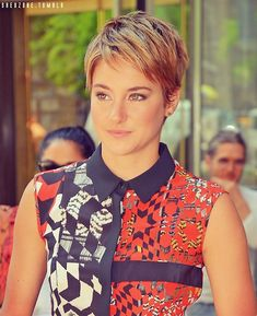 Shailene rockin that short hair