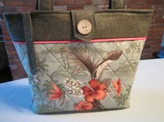 Hey, I found this really awesome Etsy listing at https://www.etsy.com/listing/167025276/tropical-quilted-tote-bag