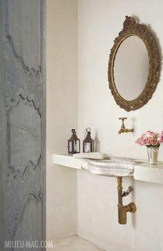 Beautiful simple bathroom.   Splendid Sass  First Issue Milieu Magazine