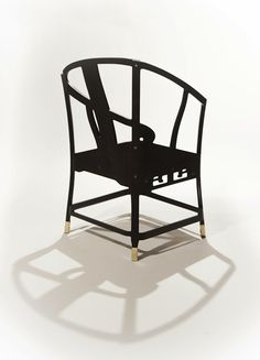 """Benoît Convers et le studio de design Ibride viennent de dévoiler à Maison janvier 2013 leur étonnante collection de chaises intitulée """"The Hidden Chairs""""."""