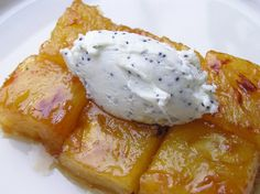 Ananas caramel beurre salé chèvre frais au pavot