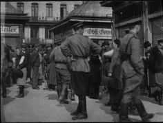 Russische Soldaten am Naschmarkt Vienna, High Quality Images, Ww2, Bing Images, Che Guevara, The Past, Street View, People, Fictional Characters