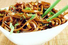 Receta de Tallarines chinos con pollo - Fácil
