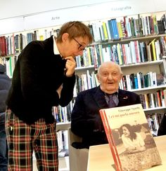 Giuseppe Sgarbi e Susanna Tamaro durante la presentazione dei loro libri alla libreria Ibs+Libraccio