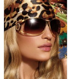 The Bebe Nola sunglasses are as chic as they appear to be. Available in two shades Tortoise and Black, they can complement any face or jaw line, the best feature being the..