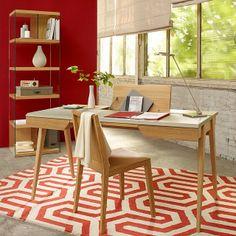 En riktig favorit är Beckett skrivbord med vadderad bordsskiva i läder och stomme av ek, 147x74x76cm 9.900kr. #habitatsverige