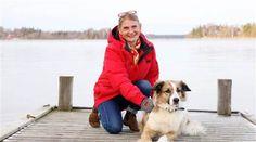 """Fick diagnosen Aspergers syndrom i 40-årsåldern. """"Jag hade nästan gett upp det där med relationer. Men i dag är jag gift och har två nära väninnor"""", berättar Lotta Westerholm, 50. Foto: Cornelia Nordström"""
