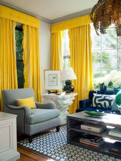 Chic Interior Designs With Yellow Curtains These aren't just bright yellow curtains. With a tufted valance and scalloped edges I'm totally in awe.These aren't just bright yellow curtains. With a tufted valance and scalloped edges I'm totally in awe. Family Room Curtains, Living Room Color Combination, Living Room Designs, Living Room Decor, Dining Room, Yellow Curtains, Bright Curtains, Yellow Fabric, Beautiful Living Rooms