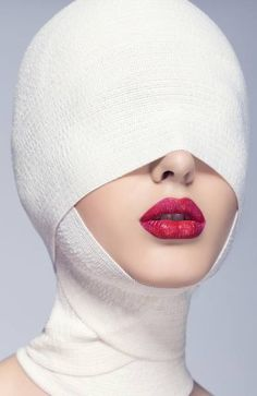 Cosmetic Surgery World. Steps On How To Go About Cosmetic Surgery. Plastic surgery could make a huge difference. Beauty Photography, Portrait Photography, Fashion Photography, Creepy Photography, Mode Pop, Beauty Shots, Creative Portraits, Plastic Surgery, Beauty Skin