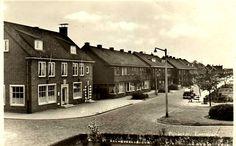 285-Emmapark, links, op de hoek, het nieuwe postkantoor. Later kantoor van Bloemendaal-Ruigrok.