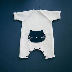Patron de couture Catbaby taille préma à 2 ans. Suivez mon compte Instagram en cliquant sur l'image  #lecatbaby #patrondecouture #vanessapouzet #bebe #babyfashion #molleton @franceduvalstalla #combinaison #debutant