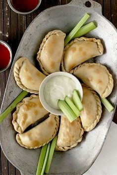 Easy buffalo chicken empanadas, i bet you could make them into half hearts easily, and serve them side by side to look like hearts for v-day Appetizer Recipes, Appetizers, Dinner Recipes, Charcuterie, Chicken Empanadas, Football Food, Football Recipes, Buffalo Chicken, Chicken Recipes