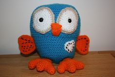 ABC's Hoot, from Giggle and Hoot You can make one too, the pattern is free!! http://sixlittlemice.blogspot.com/2011/06/giggle-and-hoot-crochet-pattern.html