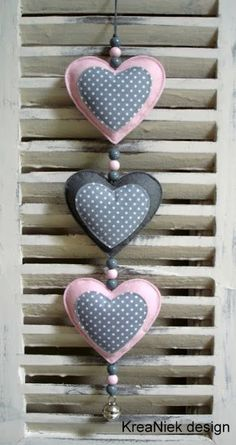 How to make a heart out of fabric - Valentine Day Sewing Crafts, Sewing Projects, Craft Projects, Felt Christmas, Christmas Crafts, Valentine Crafts, Valentines, Valentine Decorations, Diy And Crafts
