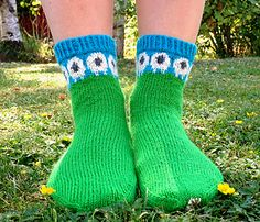 Får Me is a cuff down knitted sock worked in the round with a reinforced heel flap. Får Me by Evelina Roos free pattern