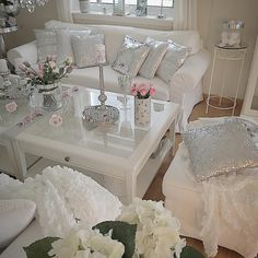 💕White and Glitter 💕 Lace Lamp, Bed Sets, House Goals, Shabby Chic Decor, Decoration, Future House, Bedding Sets, Living Room Decor, Chair