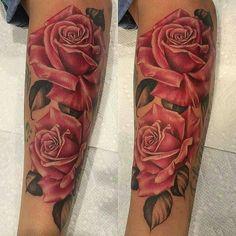 @Regrann from @inksav -  Roses by artist @emscottla #supportartists #roses #tattoo #inksav . #Regrann