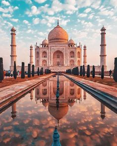 Be Bowled Over By Beauty At India's Iconic Taj Mahal