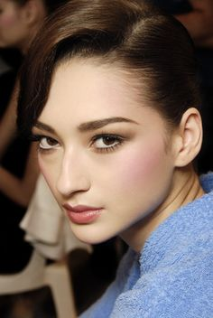 Gorgeous Makeup: Tips and Tricks With Eye Makeup and Eyeshadow – Makeup Design Ideas Big Nose Girl, Big Nose Beauty, Models With Big Noses, Hooked Nose, Pretty Nose, Beauty Makeup, Eye Makeup, Makeup For Blondes, Face Expressions