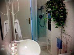 Bathroom shower candels info@moustachehouse.it