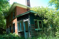 Scary House by Aband1d (rockandrollfreak), via Flickr