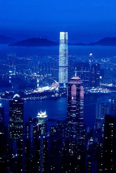 Victoria Bay, Hong Kong | China. It really is this lovely at night.
