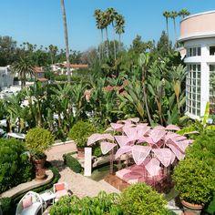 Marc Anges Le Refuge Pops Up at Beverly Hills Hotel Daybed Design, Estilo Tropical, Garden Design, House Design, Palm Beach Florida, Beverly Hills Hotel, Pergola, Time Design, Outdoor Furniture Sets