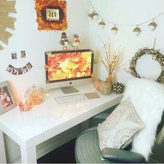 Autumn room decor on We Heart It Fall Bedroom Decor, Fall Home Decor, Diy Room Decor, Bedroom Ideas, Decor Crafts, Tumbler Bedrooms, Autumn Room, Diy Autumn, Fall Living Room